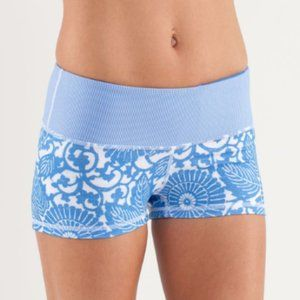 LULULEMON Boogie Short Beachy Floral White Stripe